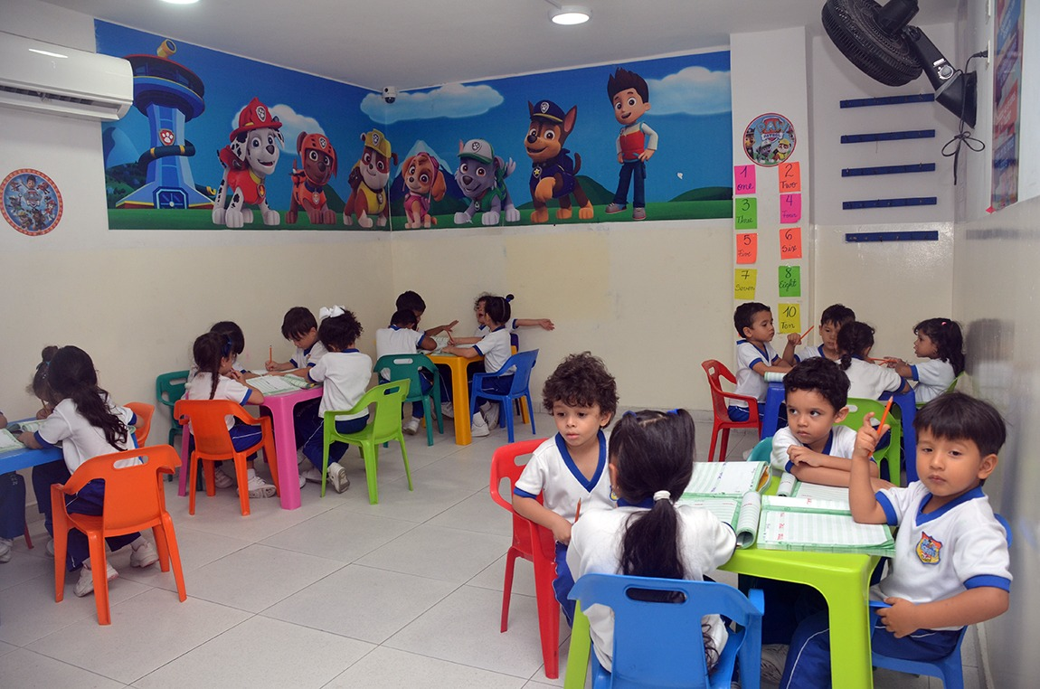Cologio Bilingue Grow and Learn salon preescolar